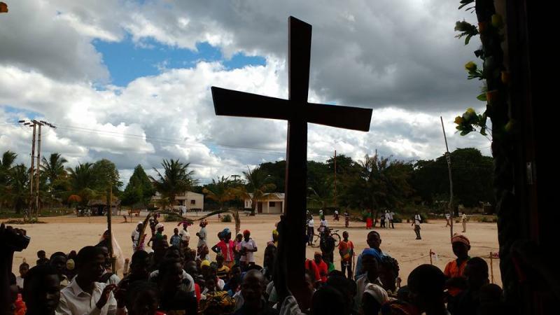 Cruz Peregrina da Diocese de Guru� (Mo�ambique)