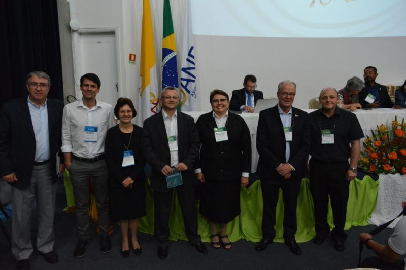 P. Roberto reeleito para direção da ANEC