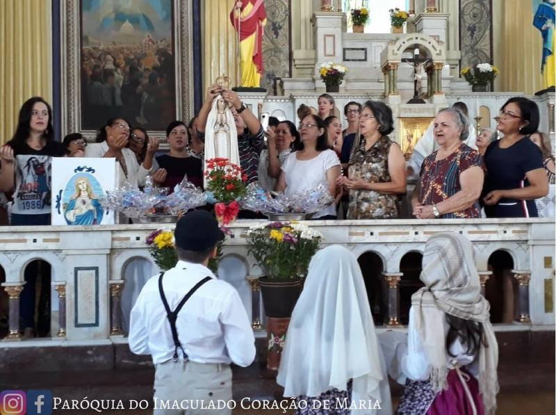 Homenagem às mães e a Nossa Senhora de Fátima em Goiânia