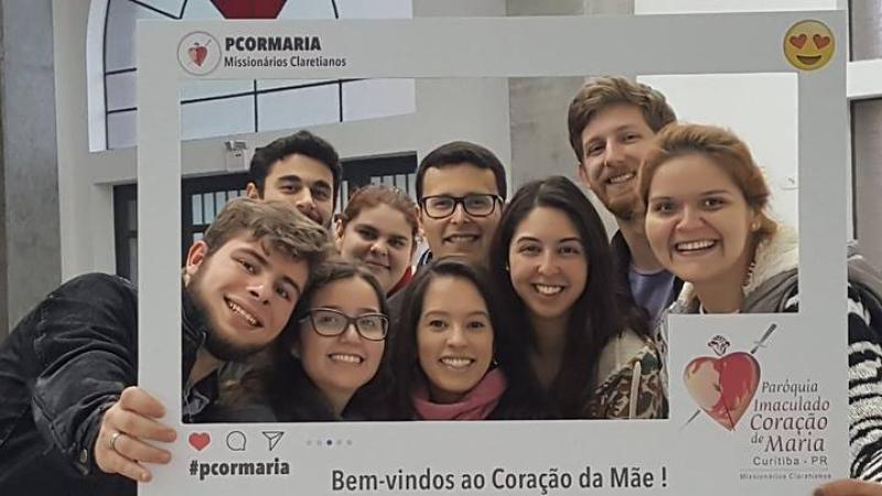 Jovens na Igreja em Curitiba