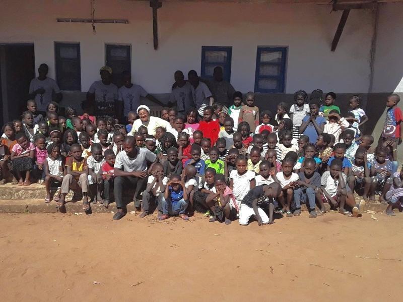 Semana da Criança em Moçambique tem almoço especial para 550 alunos